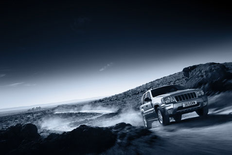 Georg Fischer Fotograf Photographer - Menu / Portfolio / Cars/Action II  - Chrysler Jeep for Minerva, UK, AD: Julian Scott